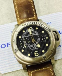 Panerai Submersible Pam025 HobNail dial 1