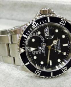 Rolex Submariner Year 2005 no pinhole 1